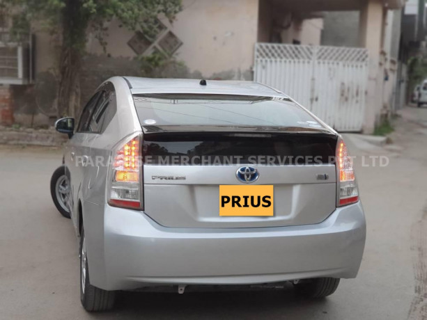 toyota-prius-new-and-used-car-financing-big-2