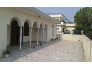 Seprate 1st Floor availble fr rent