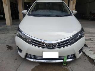 Toyota Corolla GLI 2015 on easy installment..