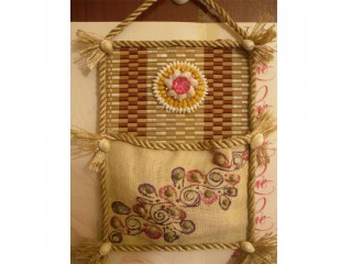 Multipurpose Jute Single Pocket Decorated Wall Hangings Drawing Item