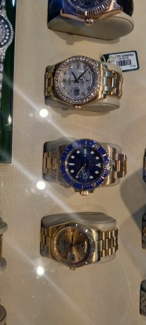 shah-jee-rolex-dealer-we-buy-new-used-original-watches-all-over-pakistan-big-3