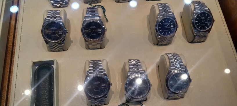 shah-jee-rolex-dealer-we-buy-new-used-original-watches-all-over-pakistan-big-2