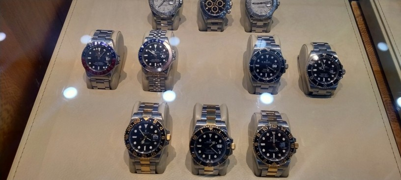shah-jee-rolex-dealer-we-buy-new-used-original-watches-all-over-pakistan-big-0