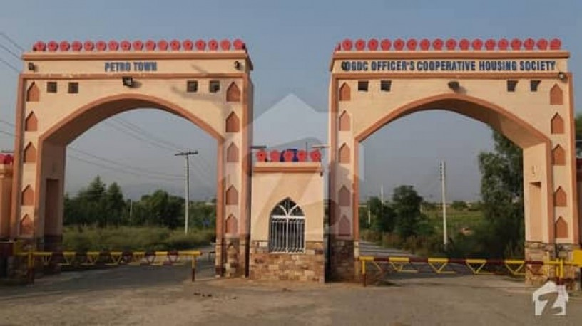 reasonable-1-kanal-plot-for-sale-in-e-18-islamabad-petro-town-big-0