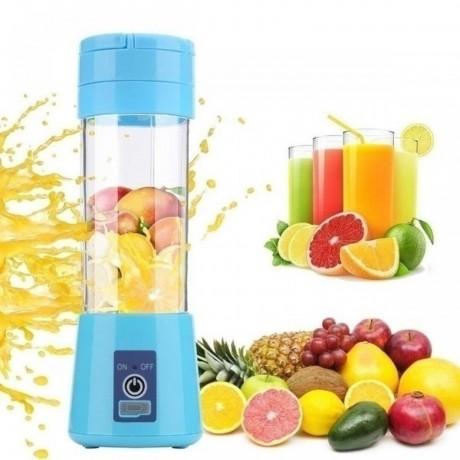 blades-portable-electric-fruit-juicer-big-4