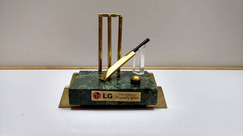 brass-item-cricket-model-with-beg-new-condition-big-0