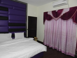Ideal Inn Guest House 03011115155